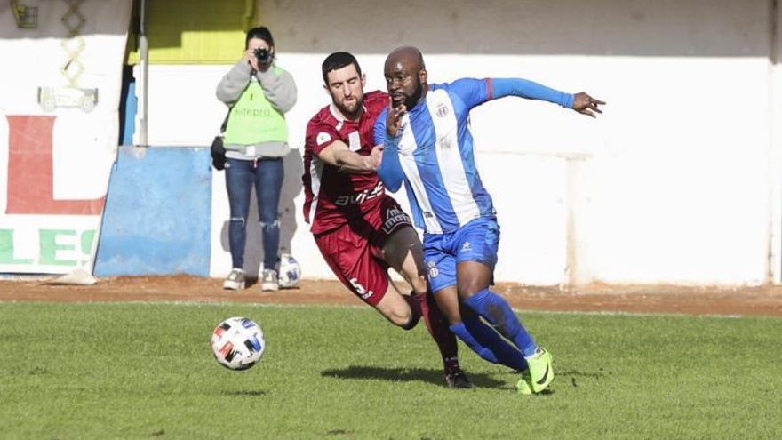 El Real Avilés, con un gran Natalio, se lleva el derbi ante el Stadium (3-0)