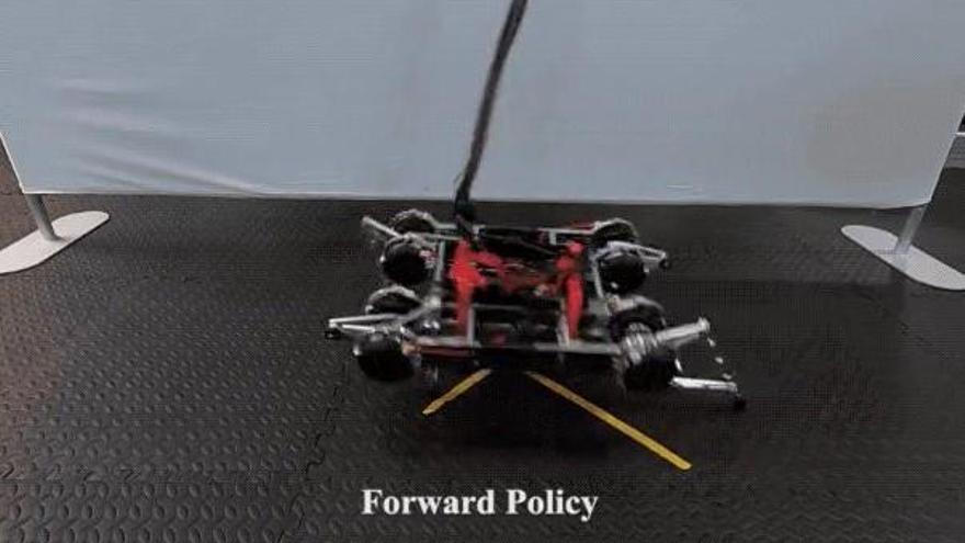 Crean un robot capaz de aprender a andar por sí solo