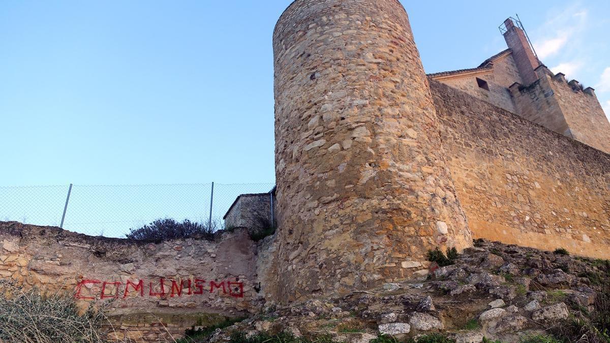 El castillo de Montilla vuelve a ser objeto de actos vandálicos
