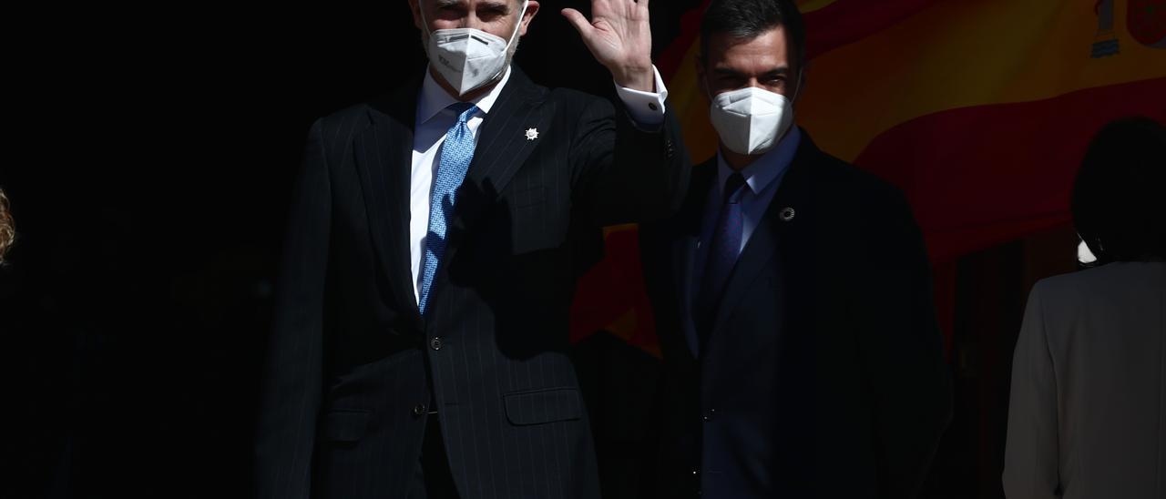 El Rey ensalza la firmeza de Juan Carlos I en el 23F y llama a proteger y preservar la democracia