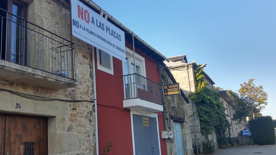 """""""Comunales Libres"""" realiza campañas informativas contra la fotovoltaica de Cobreros"""