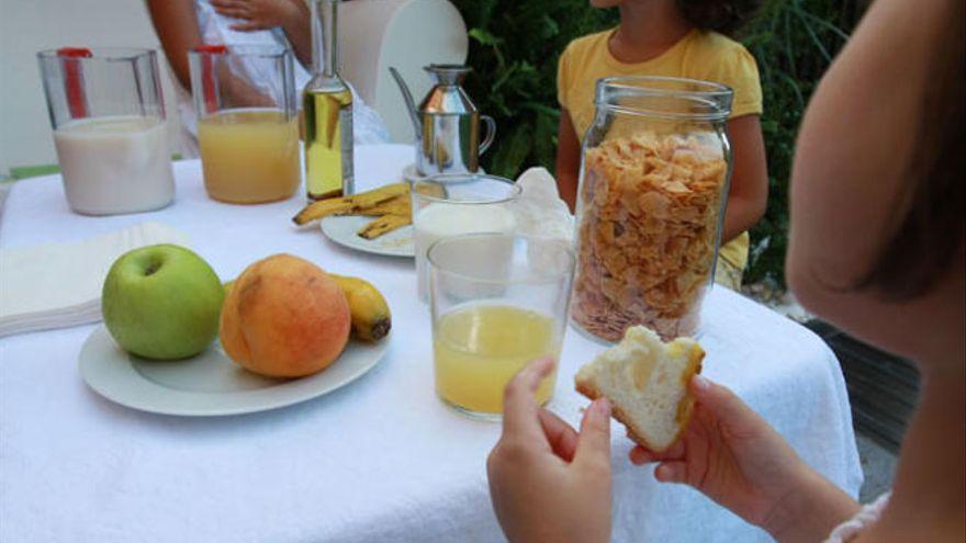 Dues de cada 10 noies no esmorzen i les de famílies desafavorides se salten més aquest àpat