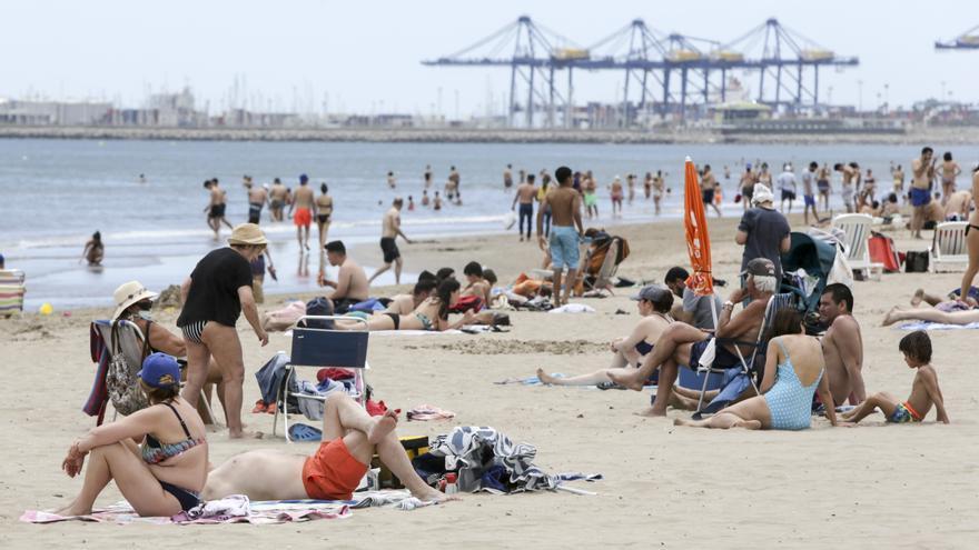 Playas y terrazas abarrotadas el primer fin de semana sin cierre perimetral