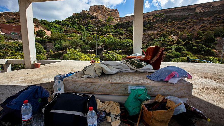 Un joven vive desde hace cuatro meses en el esqueleto de un edificio de Alicante