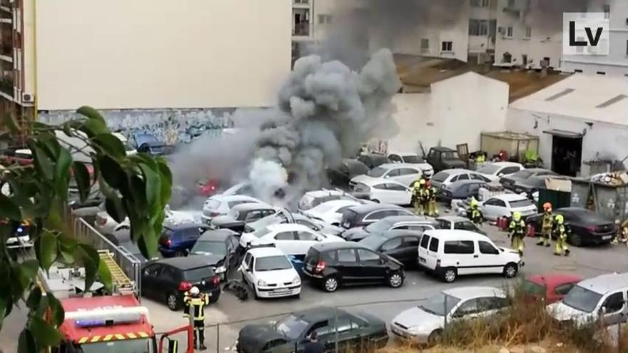 Incendio en un taller mecánico de Primado Reig