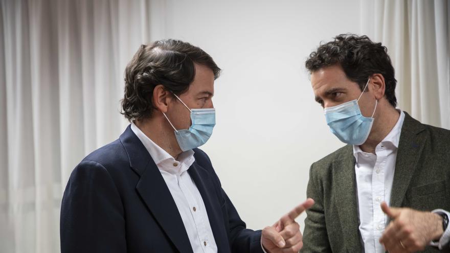 """Mañueco afirma que Castilla y León es capaz de vacunar a su población """"en tres meses"""""""
