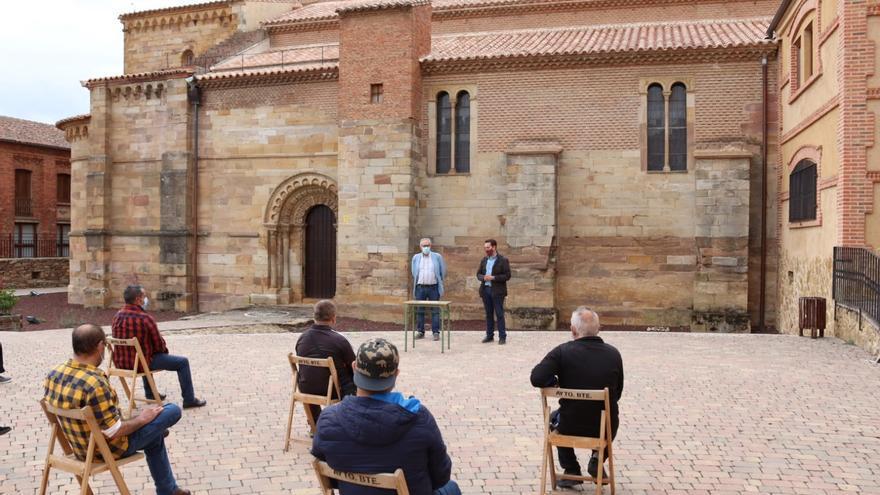 Entrega de diplomas a alumnos del Plan de Formación y Empleo Lagares de Benavente