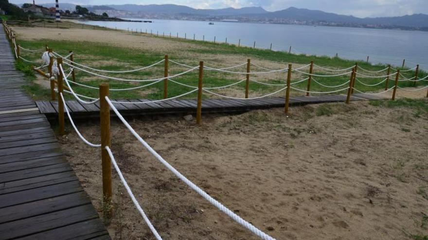 Cangas gastó 16.335 euros en el cierre de las dunas que había explanado el propio Concello