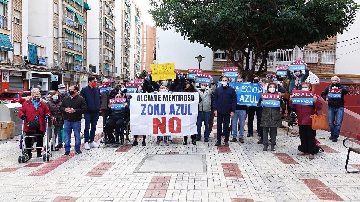Imagen de una concentración esta mañana con la presencia de Daniel Pérez y el edil Pablo Orellana.