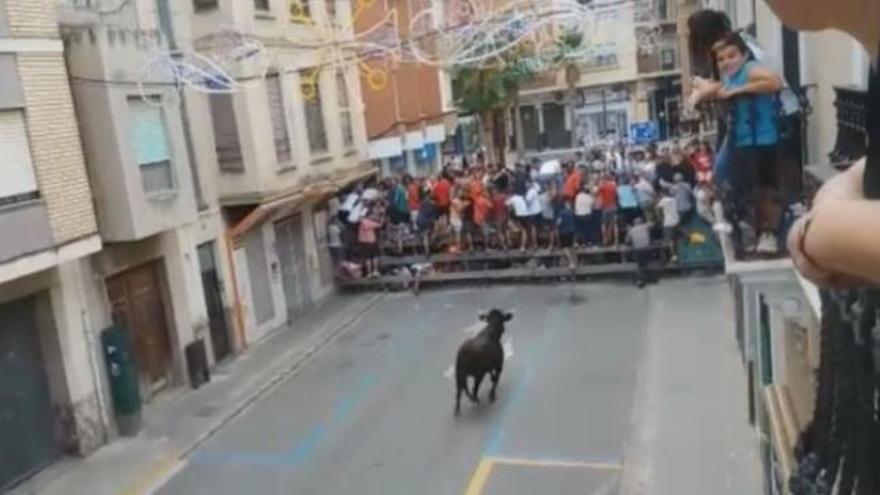 Muere un hombre corneado en los 'bous al carrer' de Llíria
