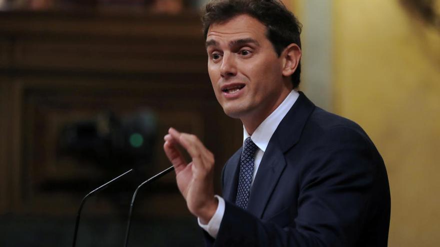 Rivera descarta un acord postelectoral amb Sánchez