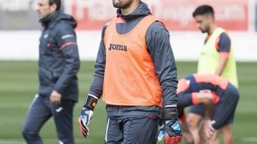 Sergio Asenjo echa  el cierre a la meta  del Villarreal CF