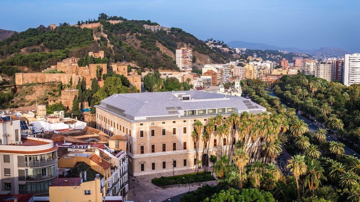 Vista del Palacio de la Aduana, que alberga el Museo de Málaga