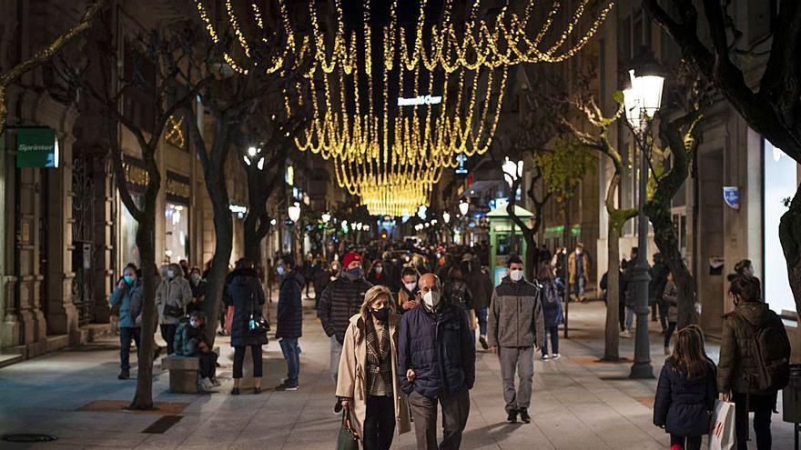 """Jácome inaugura la """"iluminación navideña más bonita de la historia; un paraíso"""""""