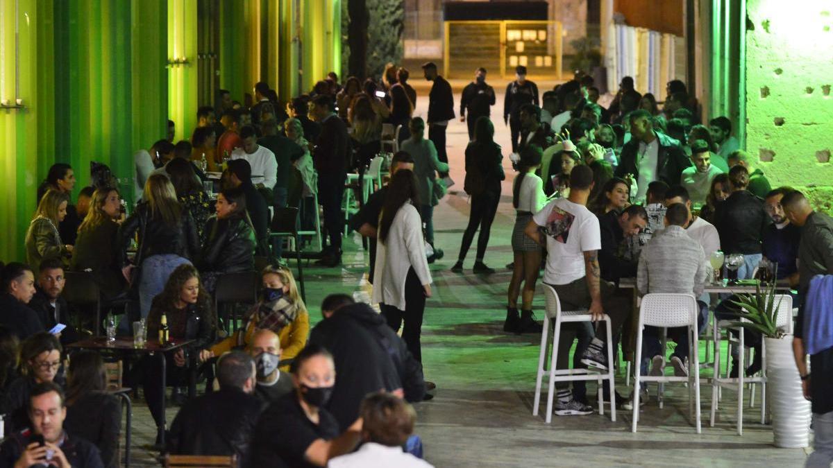 Los bares cerrarán de 18.00 a 21.00 horas en Nochebuena y Nochevieja en la Región
