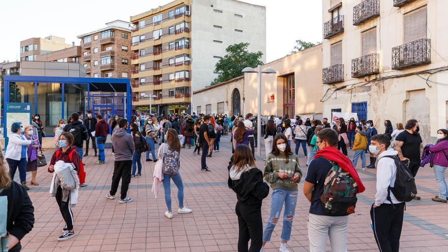La Usal critica situar a los universitarios en el aumento de casos COVID en Salamanca