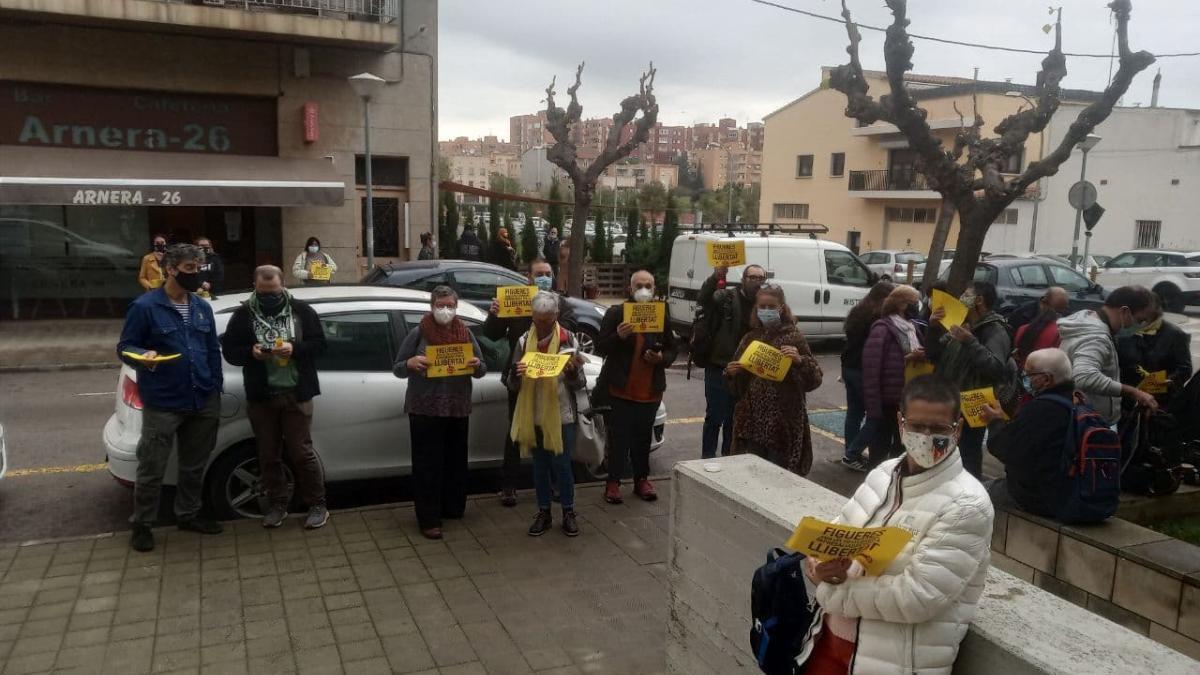 Concentració d'aquest matí a les portes del Jutjat de Figueres
