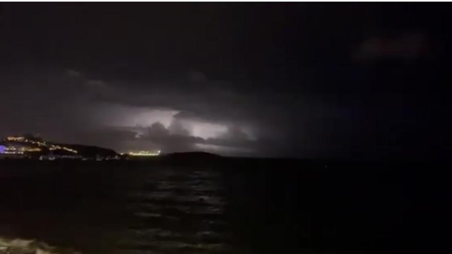 La tormenta eléctrica en Ibiza deja imágenes espectaculares