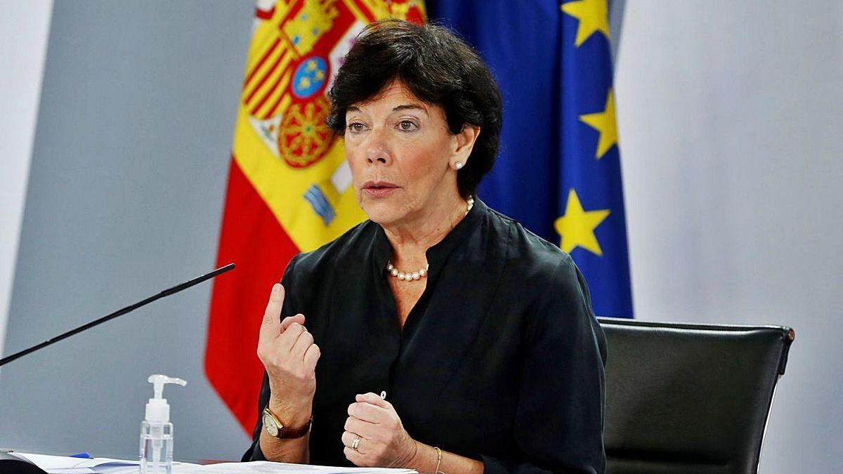 La ministra de Educación, Isabel Celaà, en su comparecencia de ayer.