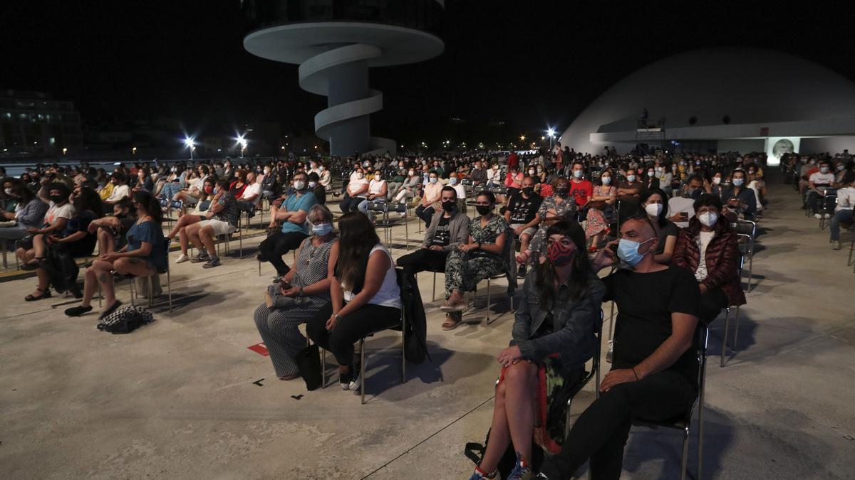 Actividad festiva en el Centro Niemeyer el año pasado
