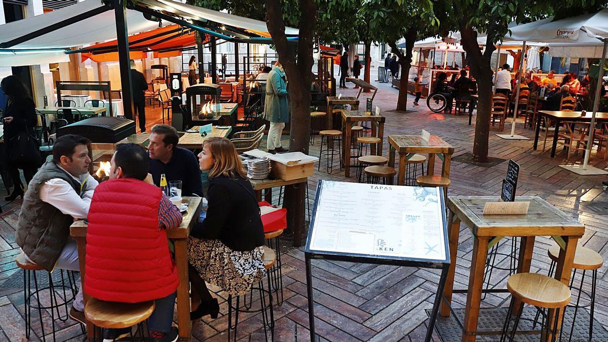 Clientes en un negocio de hostelería del Centro de Málaga