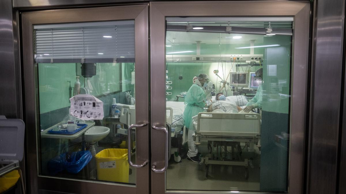 Habitación UCI en un hospital tinerfeño.