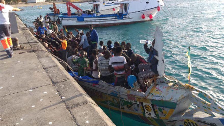 La llegada de pateras repunta en Canarias durante el fin de semana con ocho embarcaciones