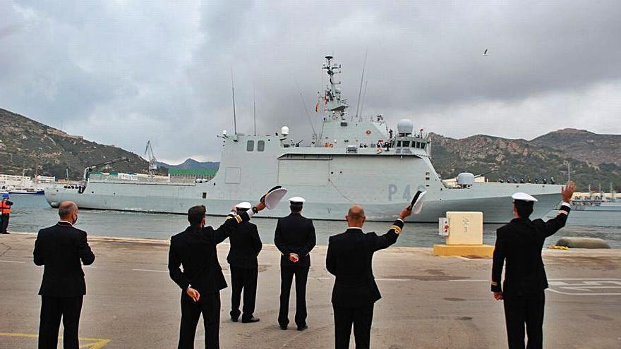 """La Armada despliega el """"Furor"""" para vigilar aguas de la costa africana"""