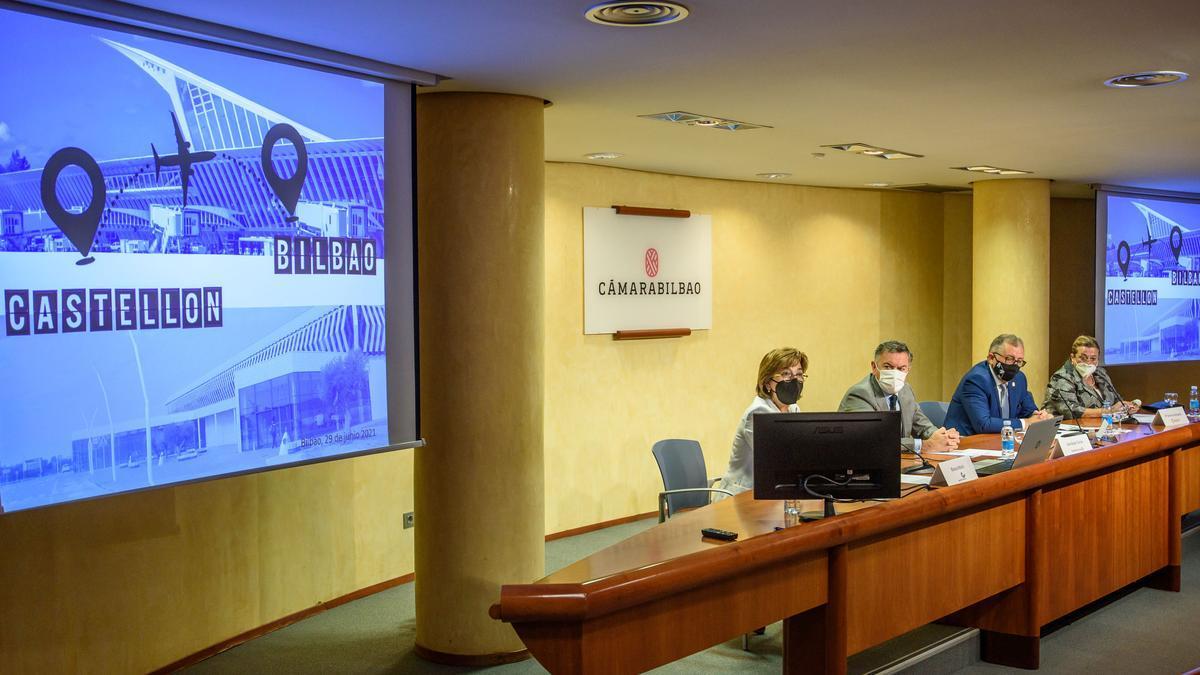 Presentación de la línea aérea entre Bilbao y Castellón.