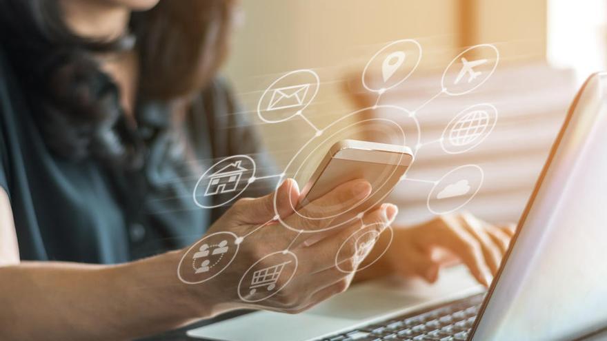 Los murcianos pasan 73 horas semanales de media conectados a Internet
