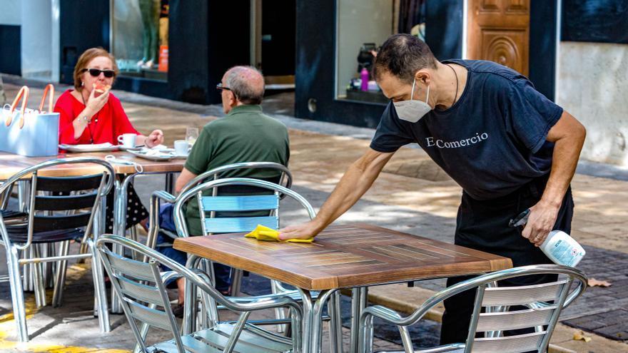 El comercio y la hostelería pierden 16.000 empleos en Alicante por el impacto del covid