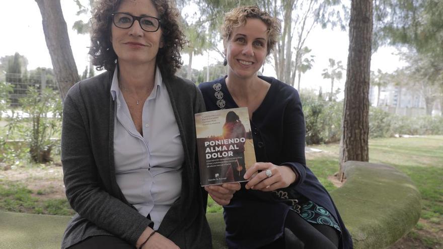 Carolina Moñino y Carmen Ruiz: «El objetivo es dar esperanza a las víctimas de abuso infantil»
