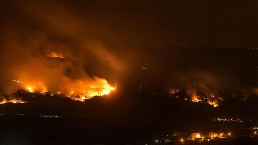 Los fuegos de Monterrei, Chandrexa y Castro Caldelas arrasaron más de 1.000 hectáreas