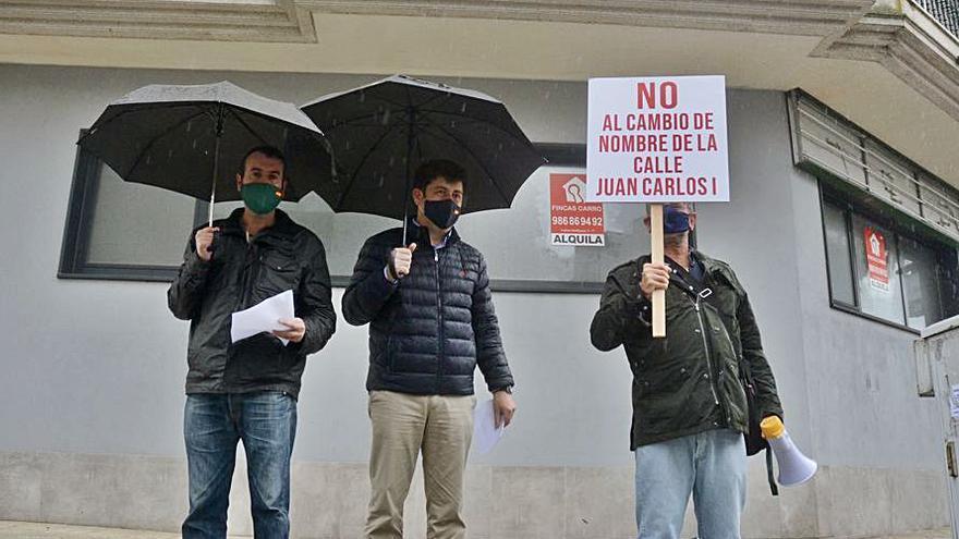 Piden recuperar la avenida de Juan Carlos