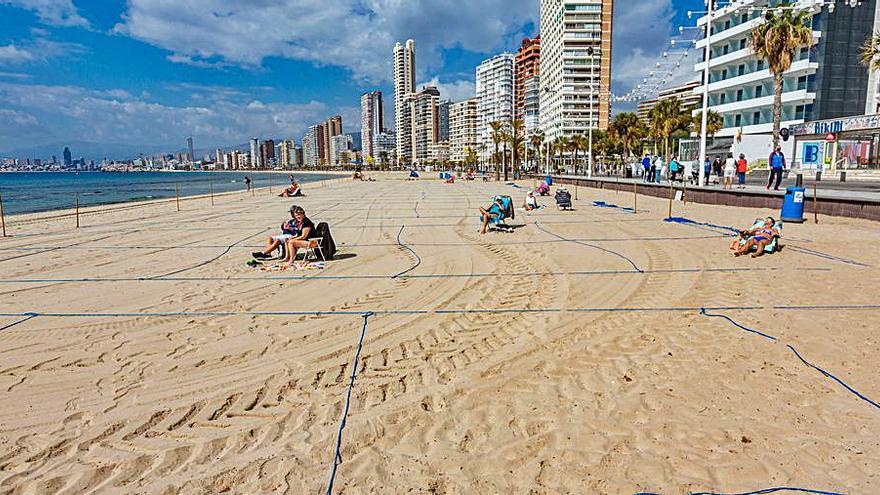 Piden un acuerdo para mejorar las reservas online en la playa de Benidorm