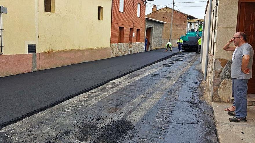 Santa Croya de Tera avanza con la pavimentación de cinco de sus calles