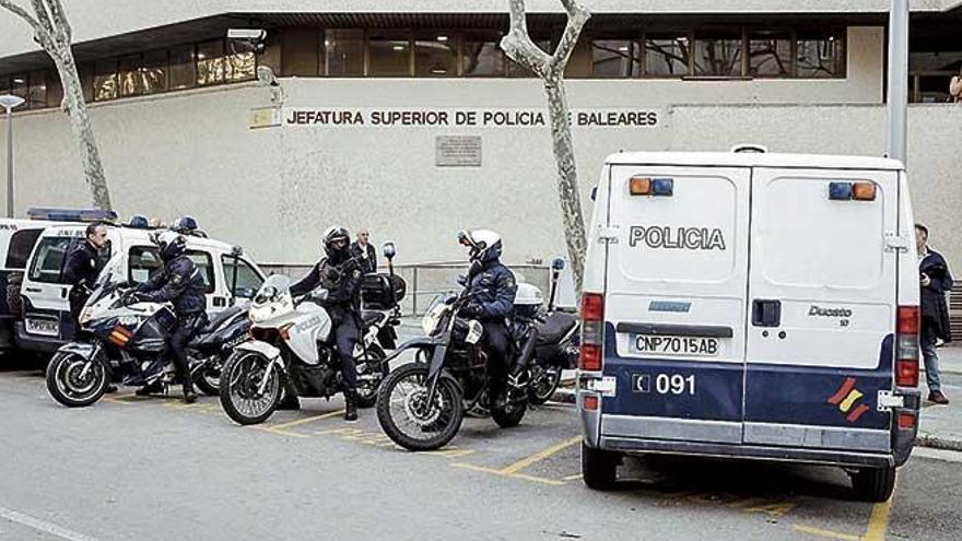 Doce detenidos y cuatro kilos y medio de cocaína incautados en Palma y Madrid