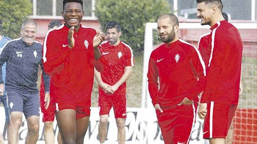 El Mallorca tiene a prueba al internacional camerunés Dani Ndi