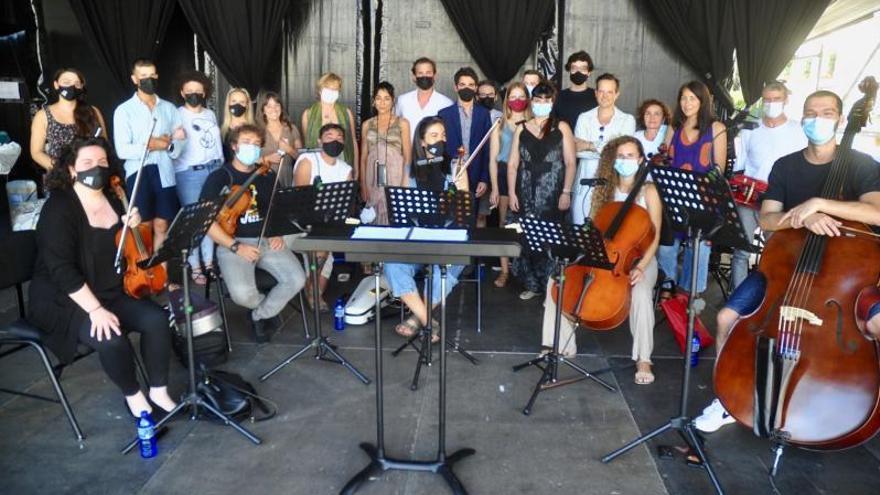 La ópera rejuvenece a ritmo de folk