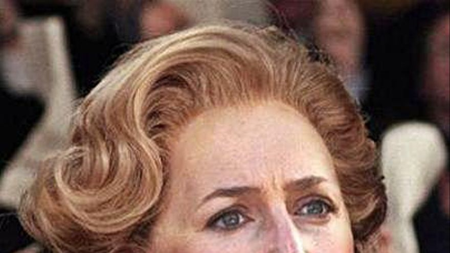 "Gillian Anderson ya luce como Thatcher en la cuarta temporada de ""The Crown"""