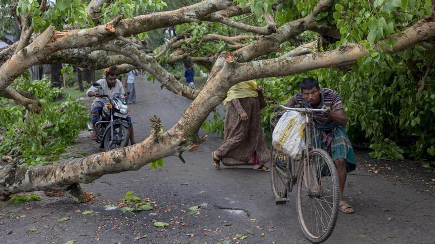 Los daños causados por el ciclón Amphan.