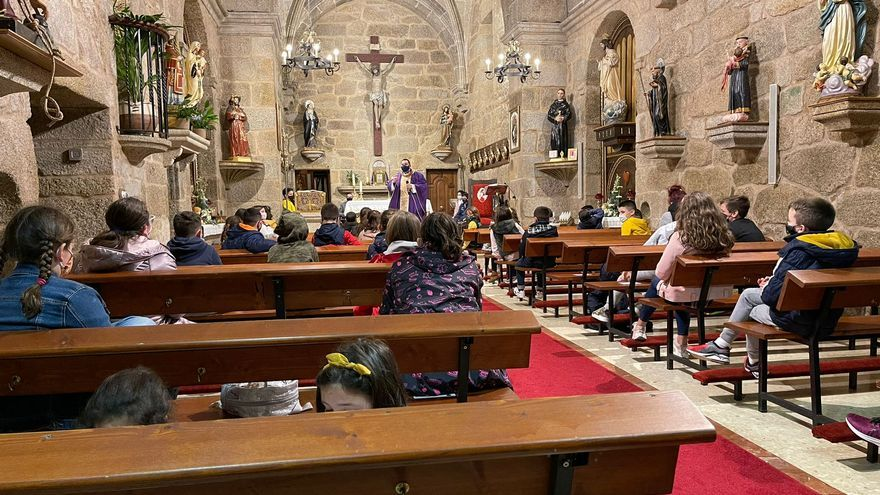 La parroquia de San Vicente pone ritmo a la desescalada
