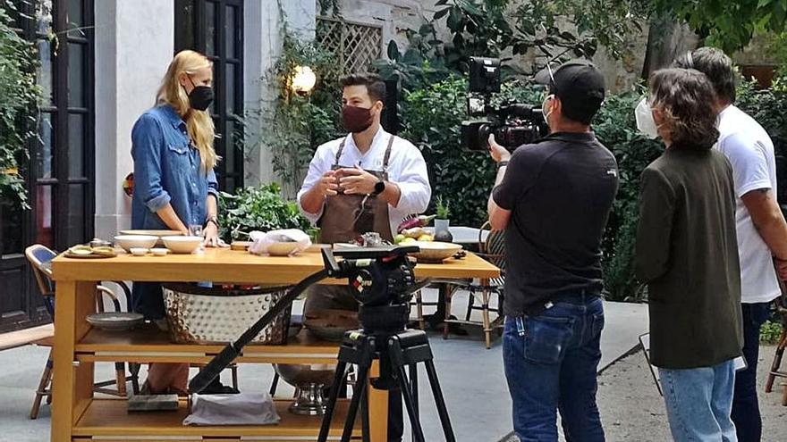 El programa de TVE 'Como Sapiens' graba recetas con chefs de Mallorca