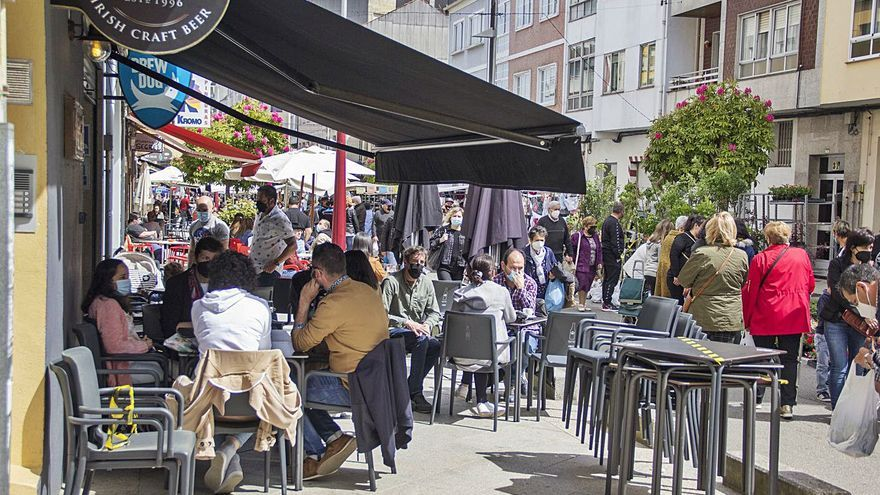 Los concellos ingresan al año unos 30.000 euros por terrazas