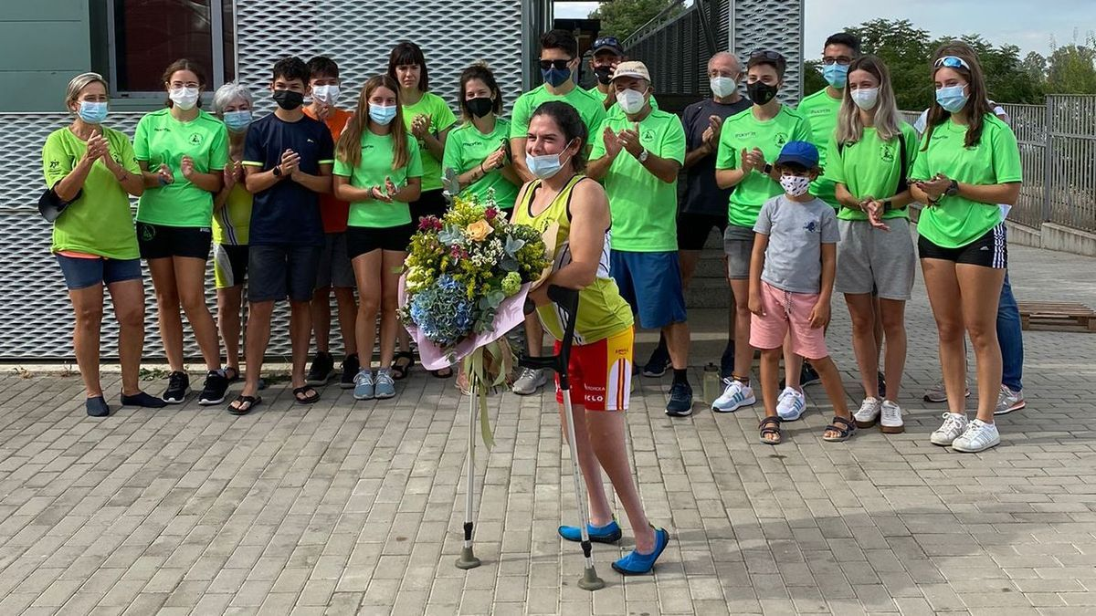 Momento del homenaje del Club Piragüismo Badajoz a Inés Felipe.