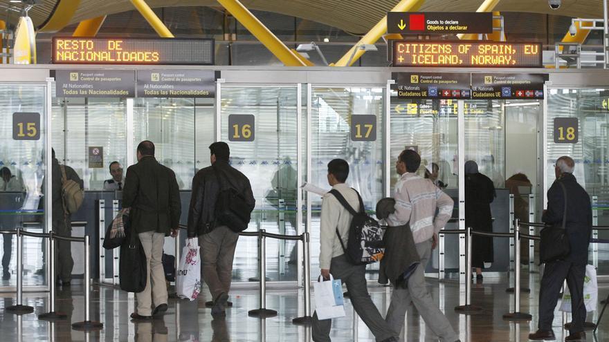 España amplía hasta el 22 de junio las restricciones de vuelos con Brasil y Sudáfrica
