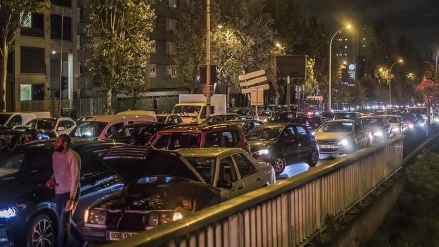 Éxodo en París: colapso en la capital francesa y 700 km de atascos ante el confinamiento