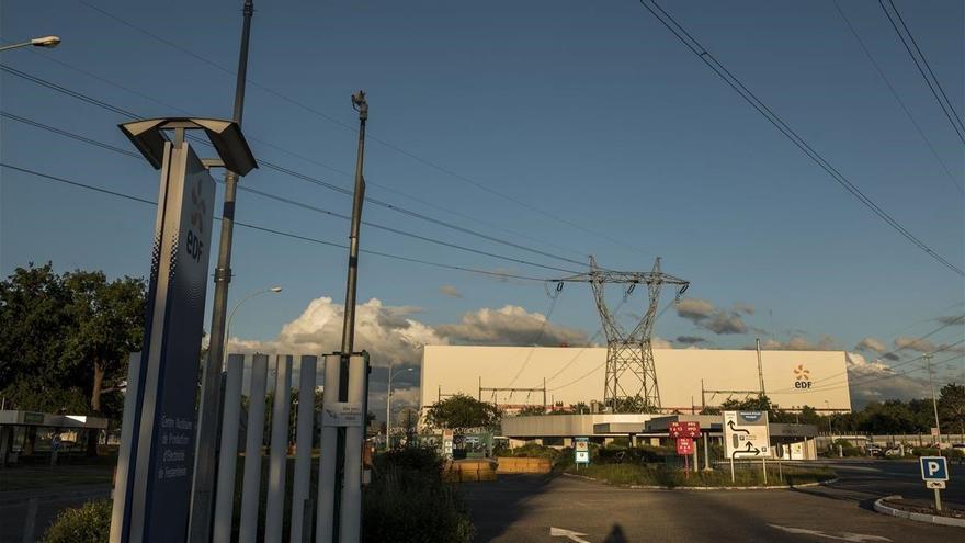 Francia cierra su central nuclear más antigua