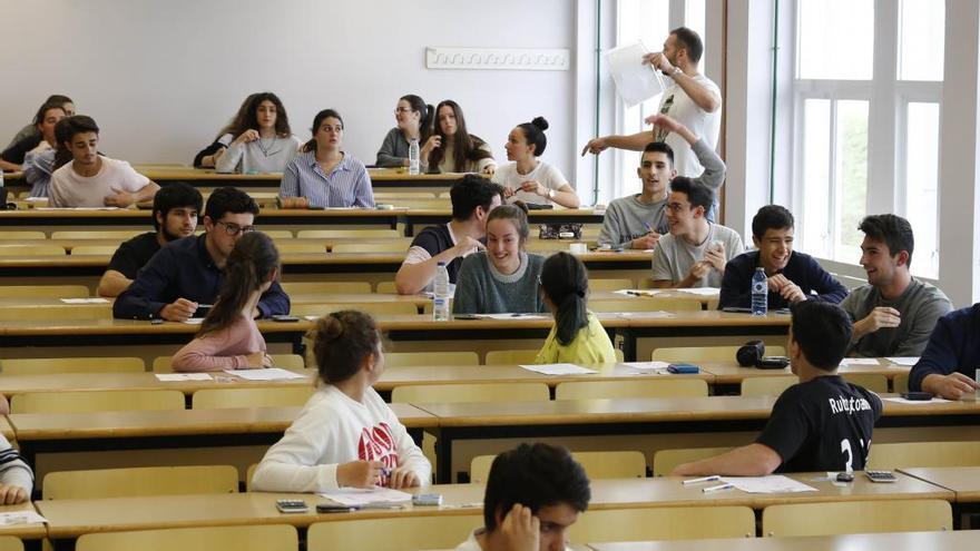 Galicia permitirá el regreso a las aulas a alumnos de 2º de Bachillerato y FP a partir del 25 de mayo