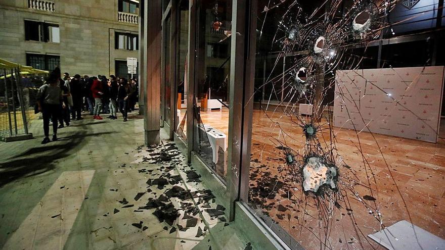 Els Mossos admeten que «no havien previst la violència» dels aldarulls de Barcelona